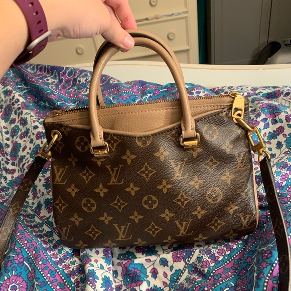 Louis Vuitton Handbags - Louis Vuitton Pallas bb